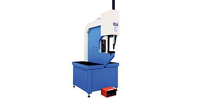 Machine for processing self clinhing fasteners S-824 Plus